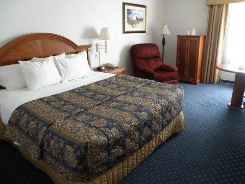 фото Lexington Inn & Suites 488673259