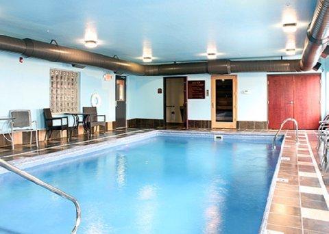 фото Comfort Inn and Suites Melvindale 488677059