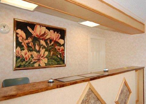 фото Rodeway Inn 488677650