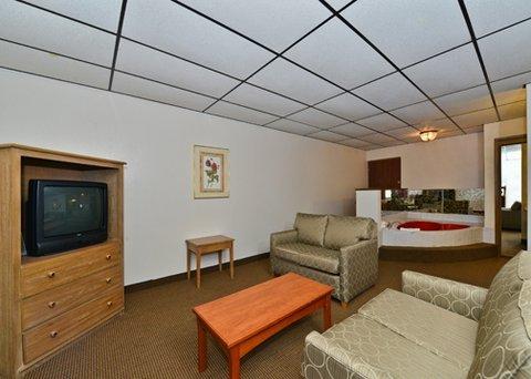 фото Quality Inn & Suites Salina 488677683