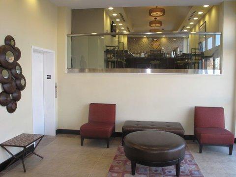 фото La Quinta Inn & Suites Brooklyn Downtown 488679868