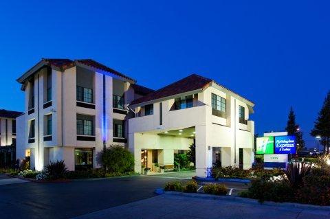 фото Holiday Inn Express Hotel & Suites Santa Clara - Silicon Valley 488680450