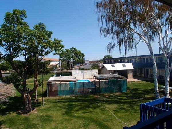 фото Motel Oasis Inn 488680845