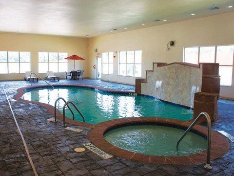 фото La Quinta Inn & Suites Joshua 488682209