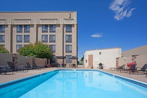 фото Holiday Inn Express Hotel & Suites Denver - Aurora 488688977