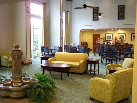 фото Hampton Inn & Suites - Fort Pierce 488702108