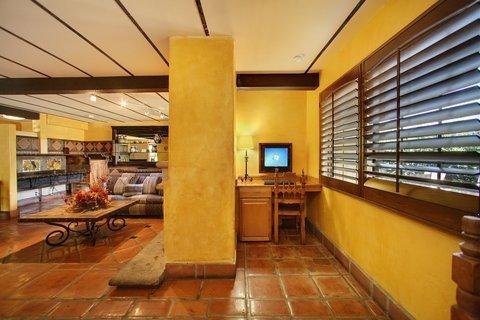 фото The Lemon Tree Hotel 488702320