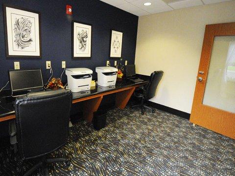 фото La Quinta Inn & Suites Indianapolis AP Plainfield 488703282