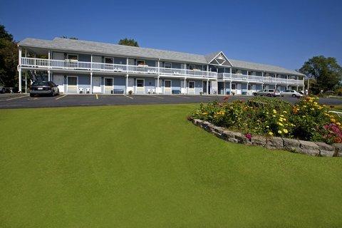 фото Americas Best Value Inn Millbrook Motel 488707462