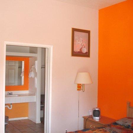 фото Villa Serena Motel El Cajon 488712388