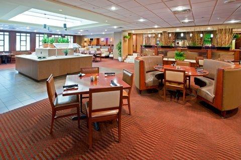 фото Crowne Plaza Hotel Cincinnati North 488713166