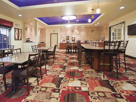 фото La Quinta Inn & Suites - Denver Gateway Park 488716019