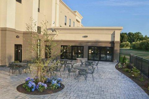 фото Hampton Inn and Suites New Hartford/Utica 488719810