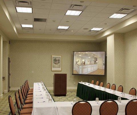 фото Hilton Garden Inn Savannah Historic District 488722876