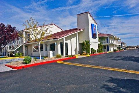фото Motel 6 Albuquerque - Coors Road 488725428