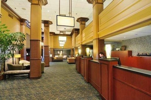 фото Comfort Inn & Suites Northern Kentucky 488731637