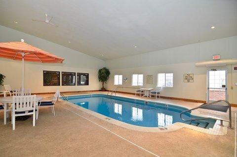 фото Best Western Plus University Park Inn & Suites 488731898