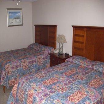 фото Beachgate CondoSuites & Motel 488734141