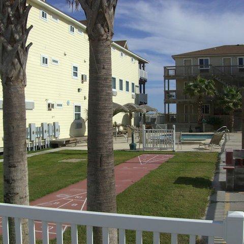 фото Beachgate CondoSuites & Motel 488734143