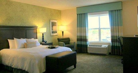 фото Hampton Inn and Suites Exeter 488742309