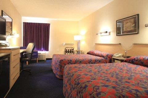 фото Red Roof Inn & Suites Bellmawr 488742439