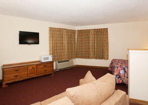 фото Econo Lodge Inn & Suites Stevens Point 488747073