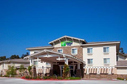 фото Holiday Inn Express Hotel & Suites San Dimas 488763044