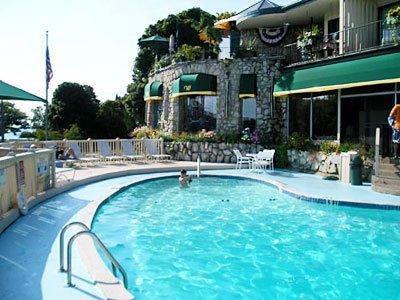 фото Weathervane Terrace Inn and Suites 488770237