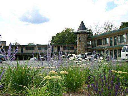 фото Weathervane Terrace Inn and Suites 488770242