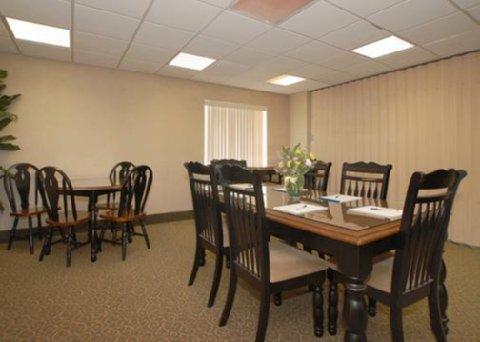 фото Comfort Inn & Suites 488770858