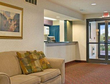 фото Super 8 Motel Evansville North 488771019