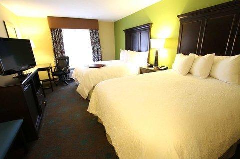 фото Hampton Inn - Iowa City 488773592