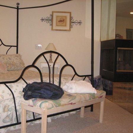 фото Crestview Inn and Suites Cedar Lake 488775594