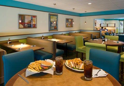 фото Oceanside Inn and Suites 488775607