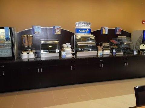фото Holiday Inn Express & Suites - Smithfield/Selma 488778446