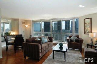 фото Chicago Premier Suites 488779019