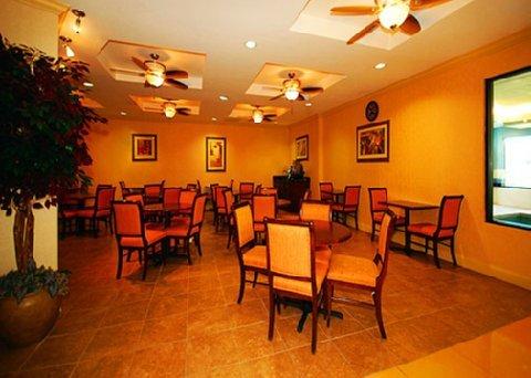 фото Comfort Suites Beaufort 488779568