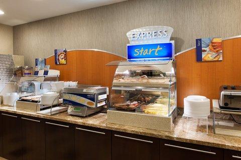фото Holiday Inn Express Philadelphia Airport 488779660