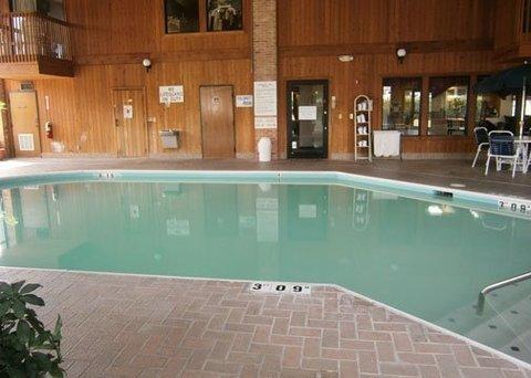 фото Baymont Inn And Suites Stockbridge 488779714