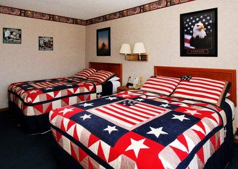 фото Econo Lodge Inn & Suites 488781751