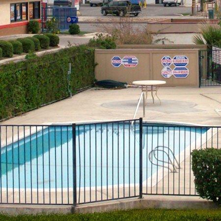 фото Bakersfield Inn & Suites 488784467