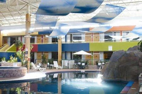 фото Boulder Outlook Hotel & Suites 488784616