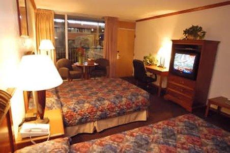 фото Boulder Outlook Hotel & Suites 488784622