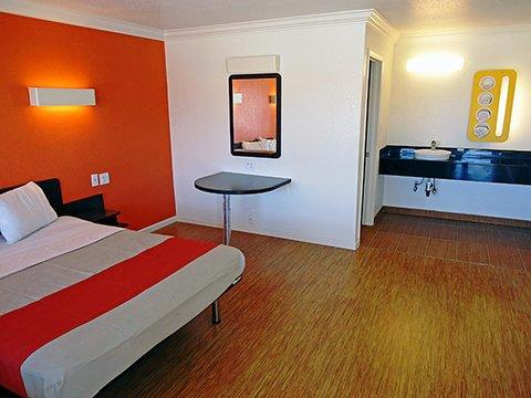 фото Motel 6 Manteca 488796570