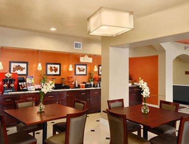 фото Days Inn and Suites Groesbeck 488799462