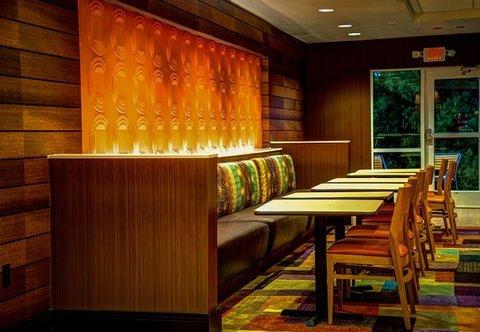 фото Fairfield Inn & Suites by Marriott Montgomery Airport 488801160