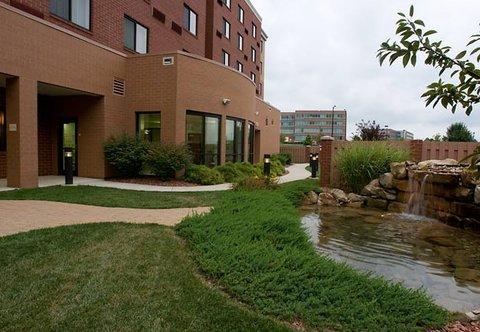 фото Courtyard Cincinnati North at Union Centre 488804987