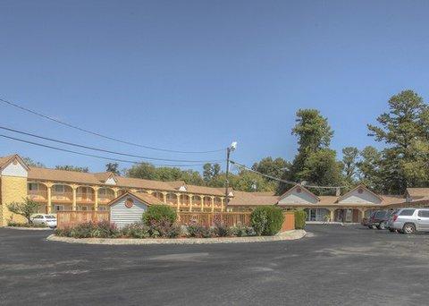фото Rodeway Inn Concord 488807740