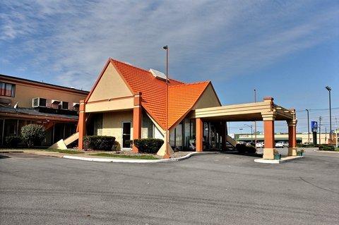 фото Americas Best Value Inn Niagara Falls 488809125
