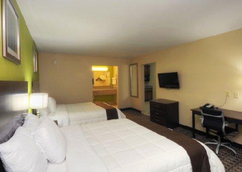 фото Econo Lodge Inn & Suites Bridge City 488810615